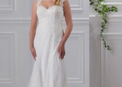 miss-emily-kollektion-2018-tres-chic-plus-size-brautmode-brautkleid-hochzeitskleid (18)