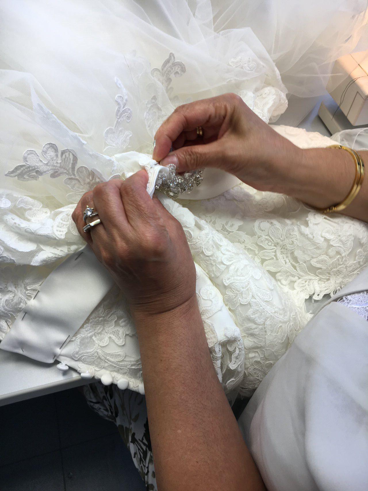 Brautkleid - Änderung - Stickerei