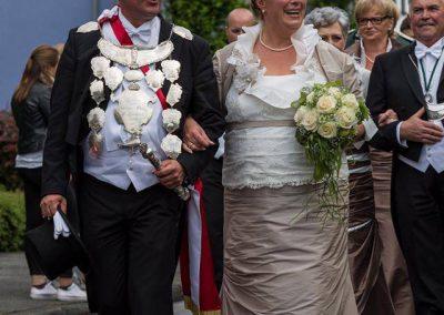 schuetzenfest-kaarst-2016-kleider-koennigin-ministerin-hofdamen (15)