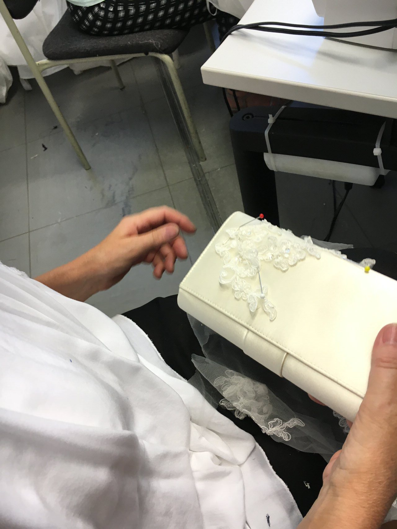Applikationen Brauttasche