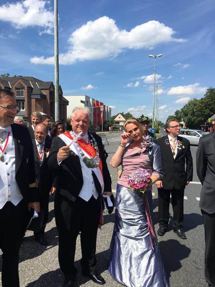 schuetzenfest-reuschenberg-neuss-2016-fotos-schuetzenkoenigin (3) [104520]