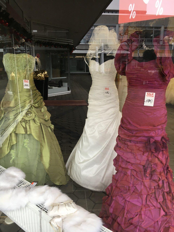Unique kleider lagerverkauf neuss