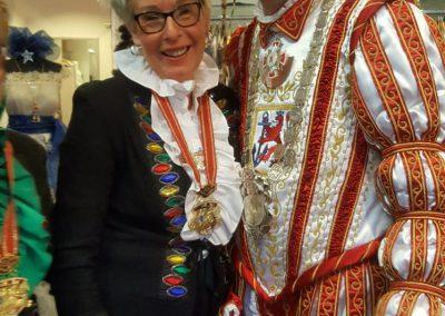 karneval-duesseldorf-2019-prinzenpaar-martin-sabine-kleider (12)