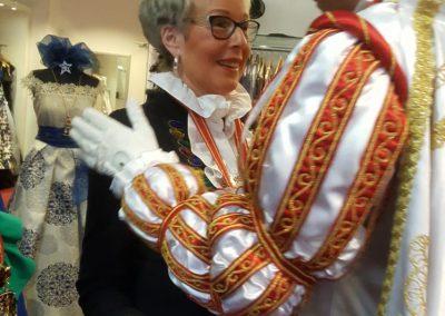karneval-duesseldorf-2019-prinzenpaar-martin-sabine-kleider (13)