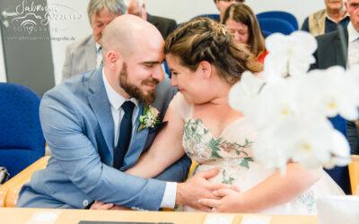 Romantische Hochzeit zu dritt – Im Brautkleid von Gerrys Brautmoden